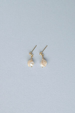 pearl_small_earrings_ecru14