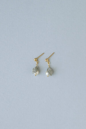 pearl_small_earrings_silvergray3