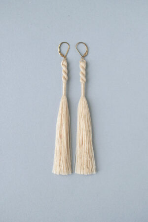tassel_earrings_ecru10